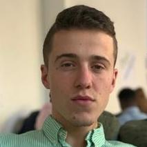 Antoine chef en mastère 2 – manager des stratégies de communication et marketing